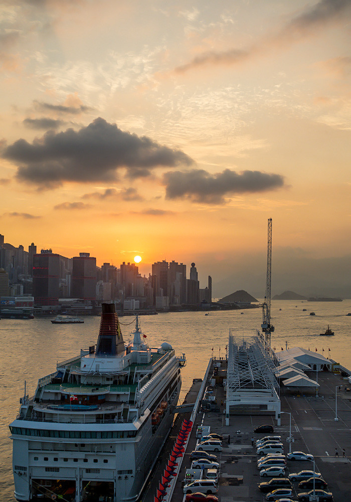 hong-kong-marco-polo-hotel-ferry-terminal-sunset
