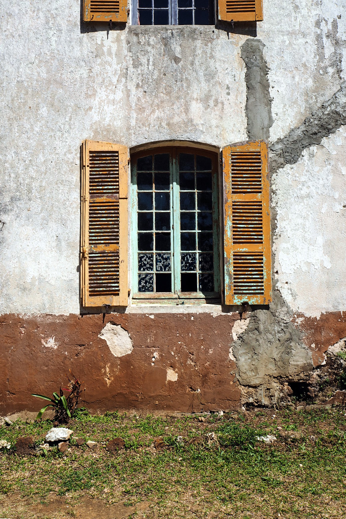 isle-of-pines-window