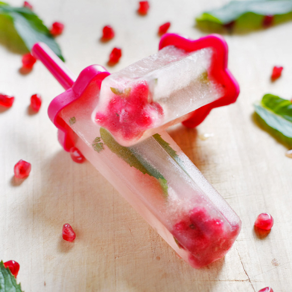pomegranate-white-tea-mint-popsicles