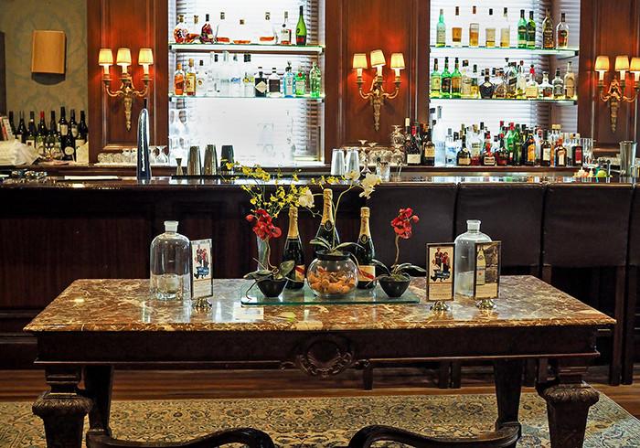 sir-stamford-the-bar