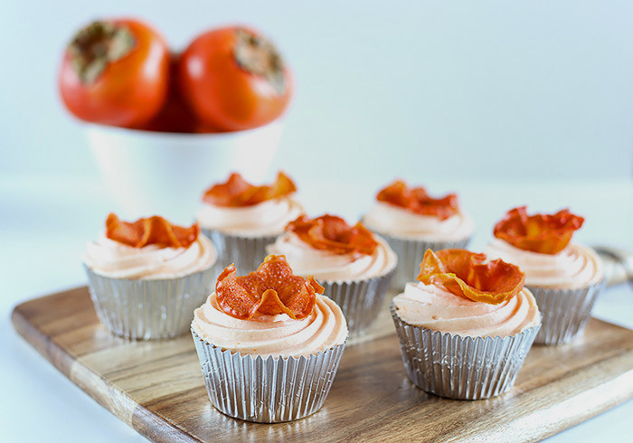 spiced-persimmon-cupcakes-cream-cheese-frosting7