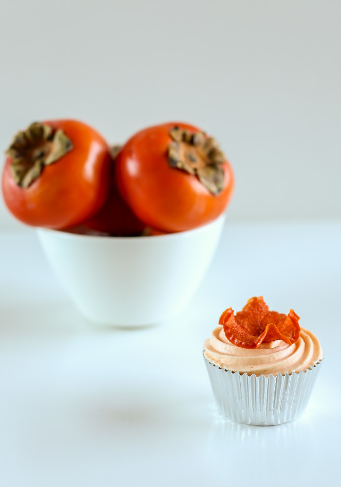 spiced-persimmon-cupcakes-cream-cheese-frosting8