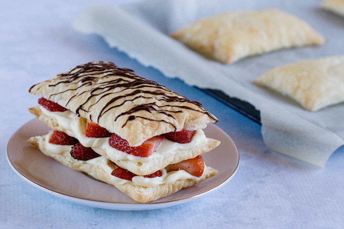 strawberry-cheesecake-napoleons4