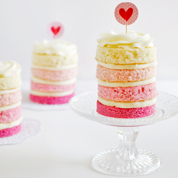 strawberry-coconut-ombre-cakes