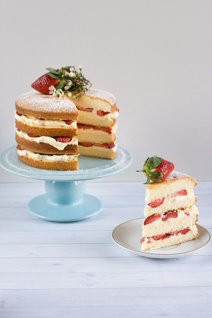 strawberry-mascarpone-cream-layer-cake10