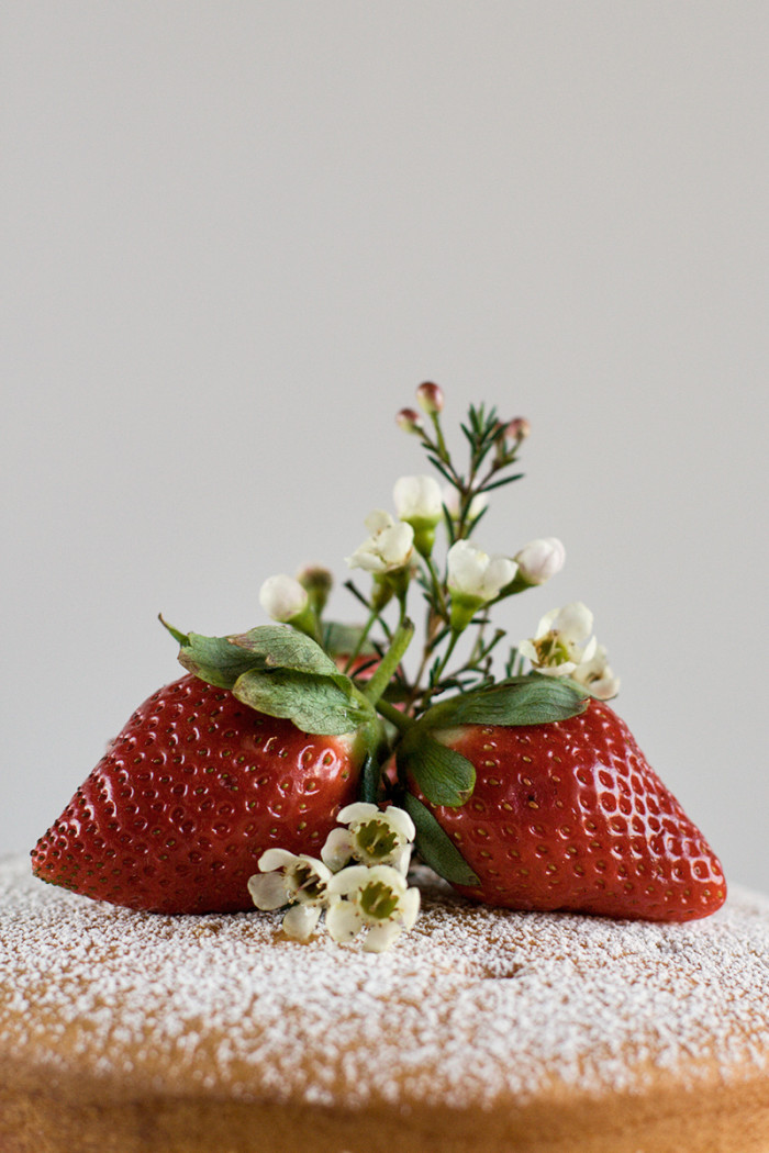 strawberry-mascarpone-cream-layer-cake2