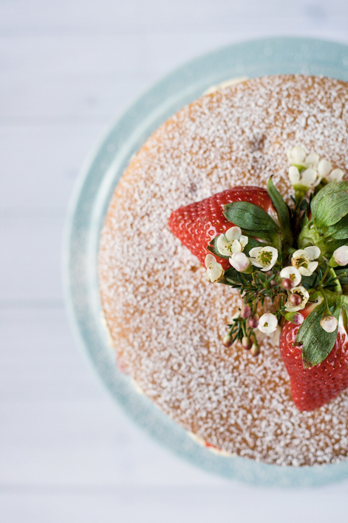 strawberry-mascarpone-cream-layer-cake4