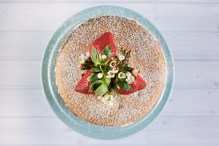 strawberry-mascarpone-cream-layer-cake5