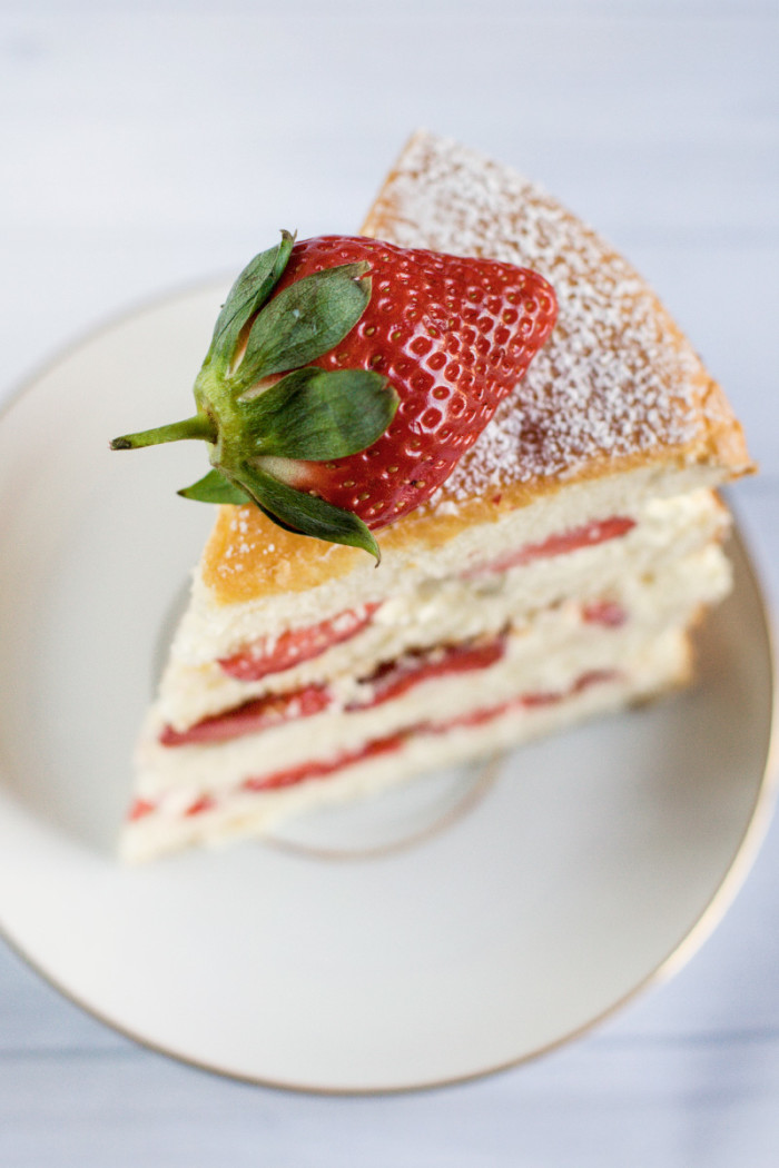 strawberry-mascarpone-cream-layer-cake9