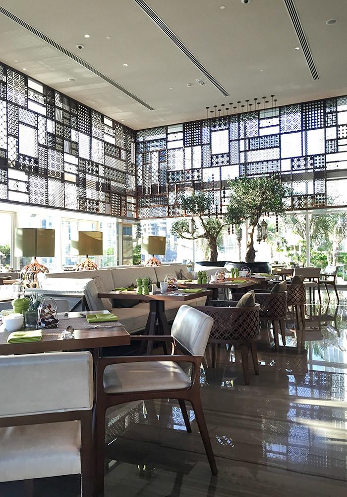 taj-dubai-dining-room