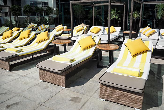 taj-dubai-pool-chairs
